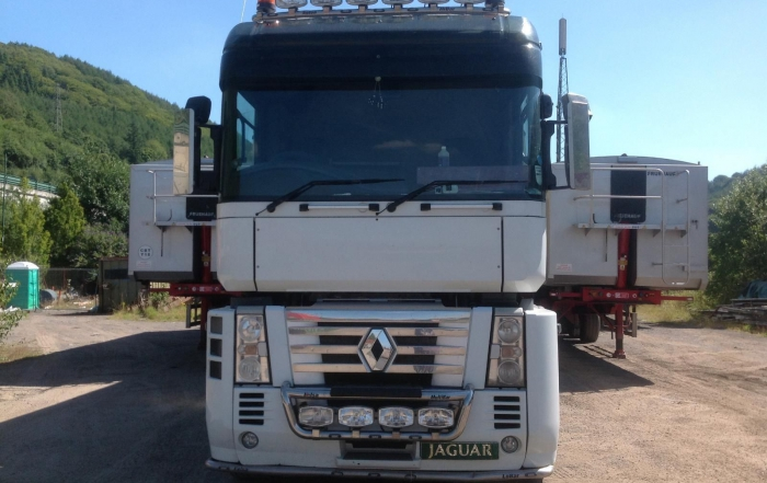 Renault AE Magnum DXI 500 automatic. 1